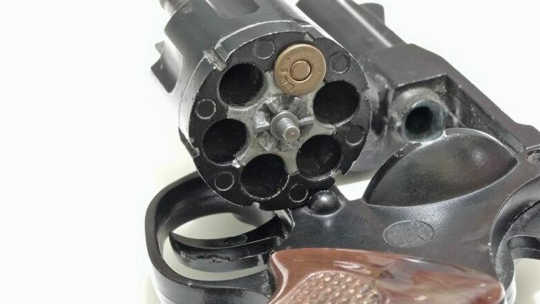Револьвер, русская рулетка