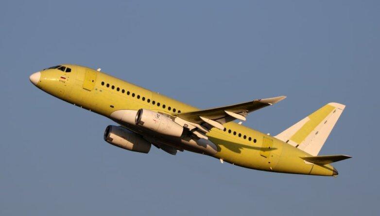 Sukhoi Superjet-100, самолёт