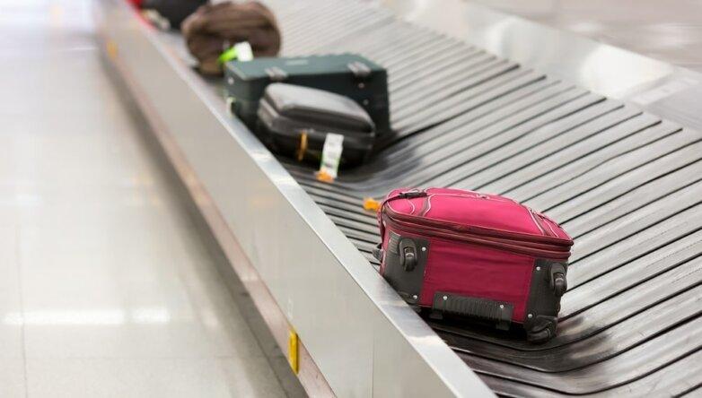 Терминал, аэропорт, выдача багажа