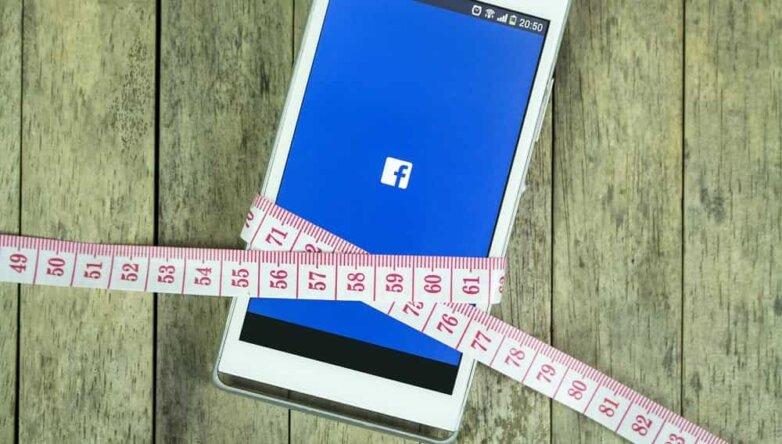 Facebook, Фейсбук, телефон, смартфон, талия, фитнес