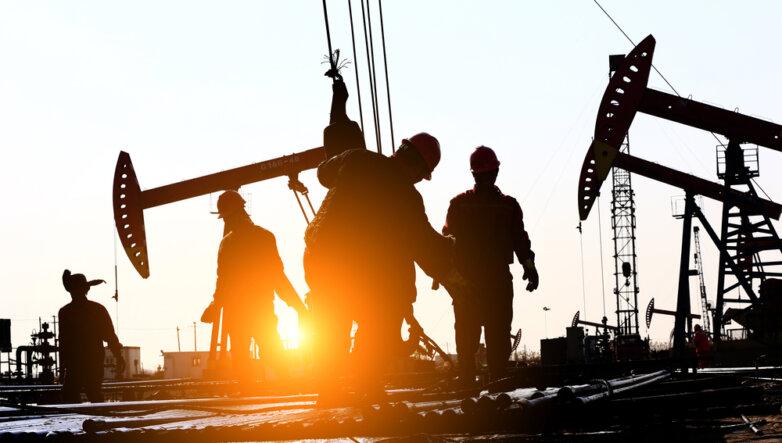 Нефть нефтяная вышка месторождение рабочие