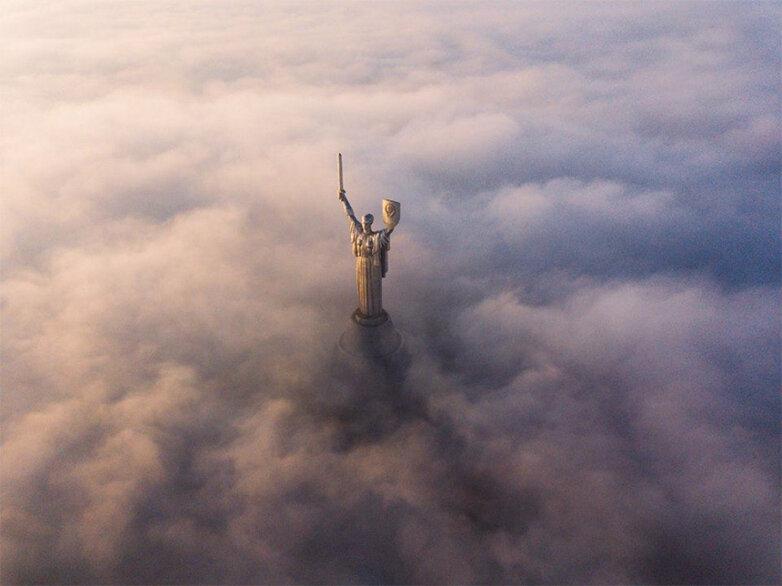 Киев памятник Родина-мать