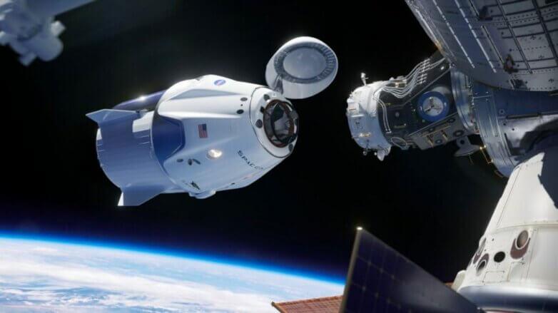 Crew Dragon стыковка SpaceX