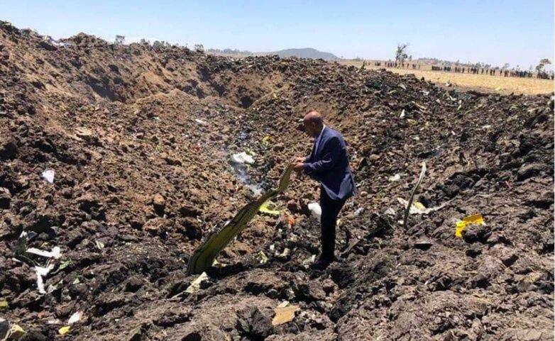 Кадр с места крушения самолета Boeing 737 Ethiopian Airlines