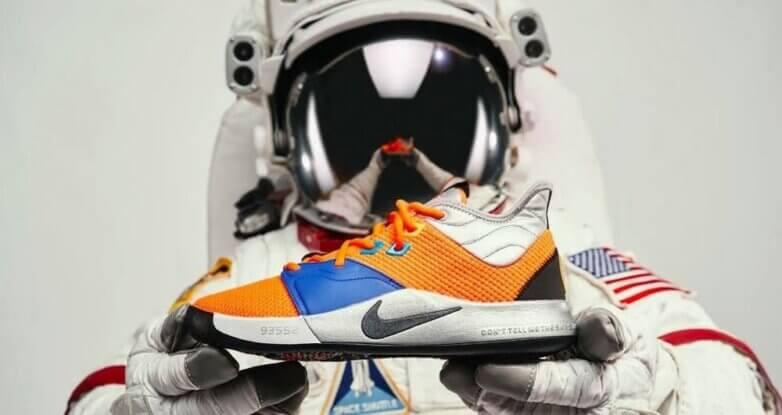 Кроссовки от NASA