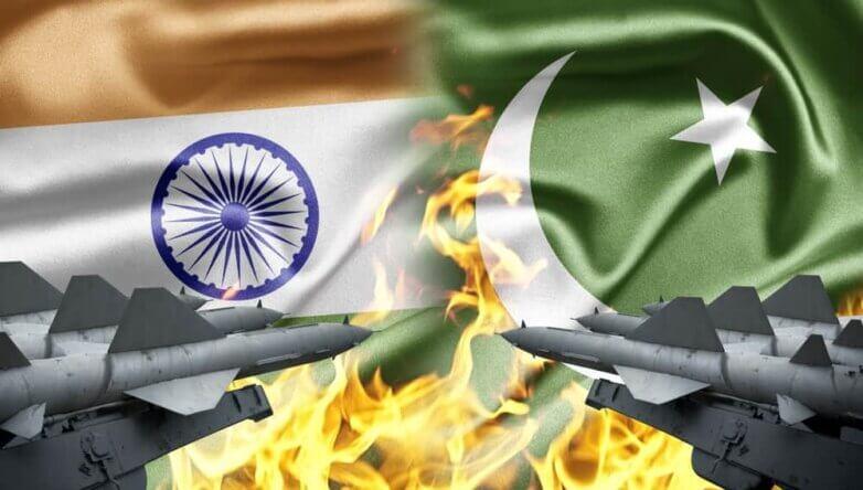 Индия, Пакистан, конфликт, ракеты, флаги