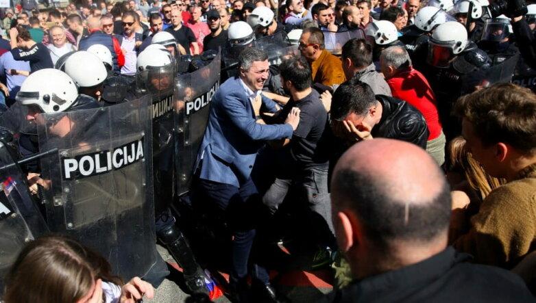 Протесты в Сербии, Белград, митинг