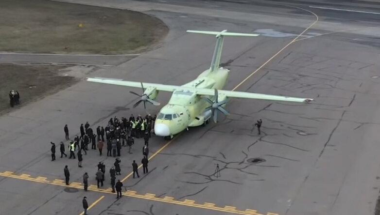 Легкий военно-транспортный самолет Ил-112В