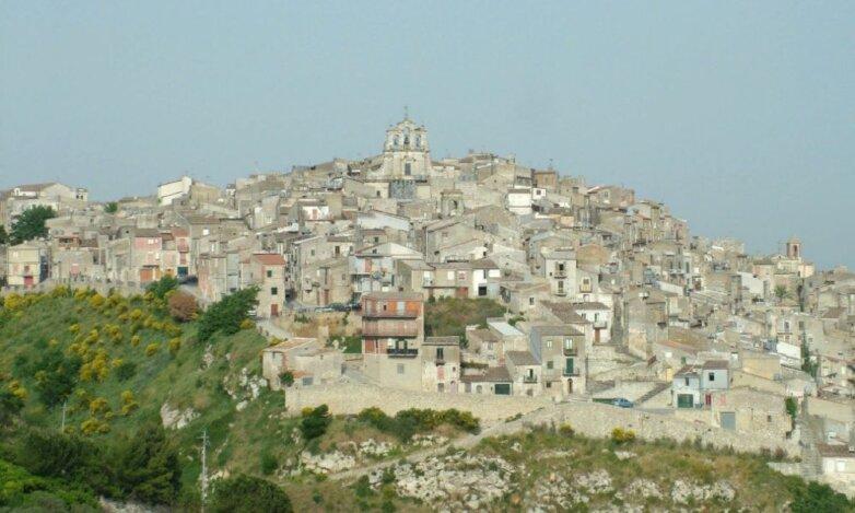 Город в Сицилии Муссомели