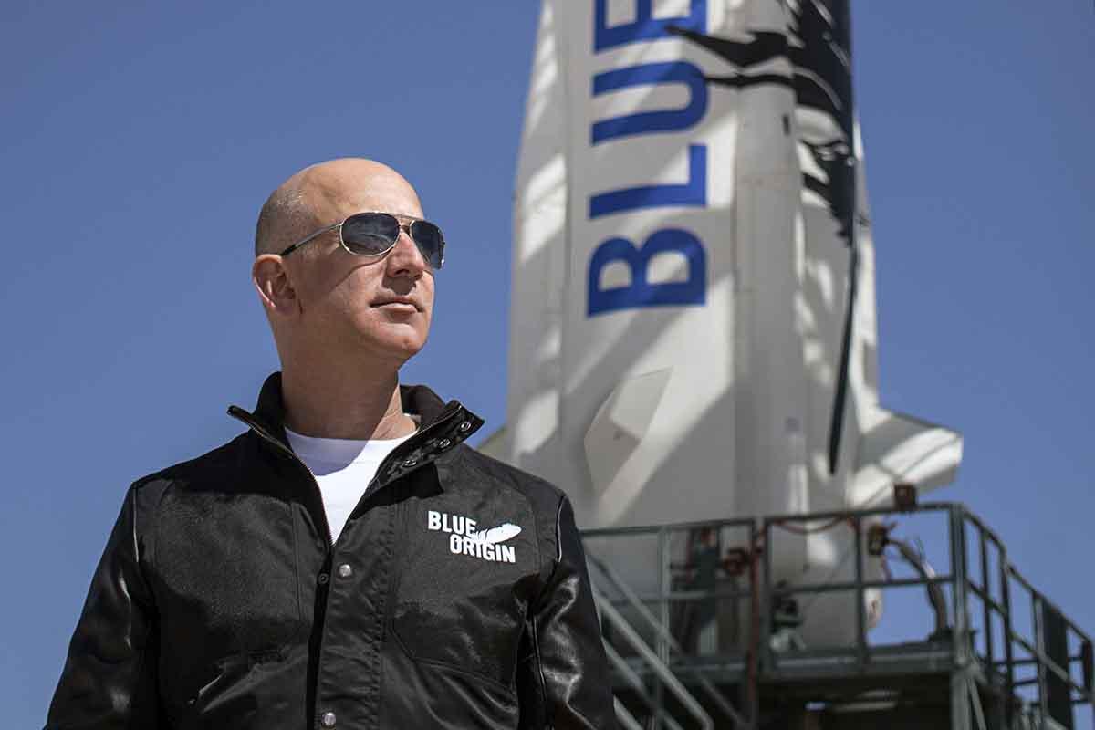 Джефф Безос, глава компании Blue Origin