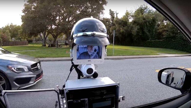 Робот полицейский ГИБДД