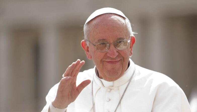 Папа Римский Франциск один