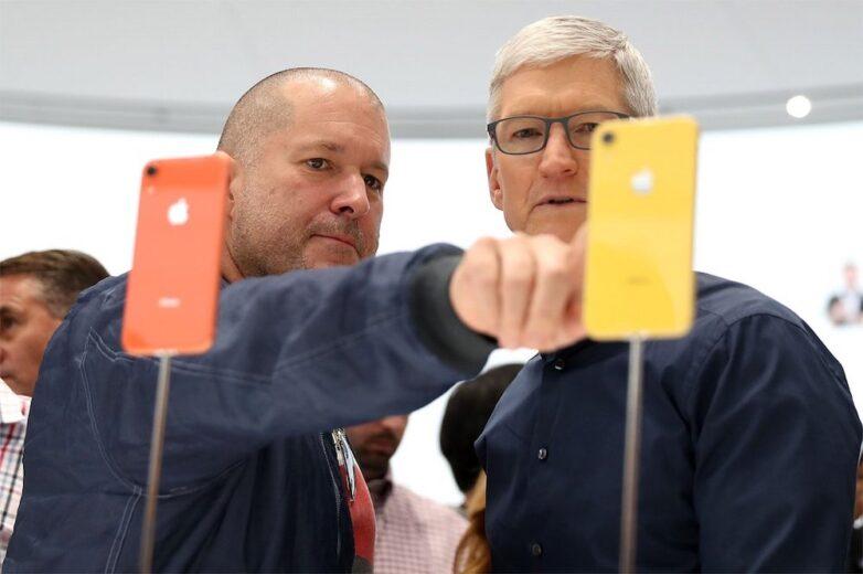 Джони Айв и глава Apple Тим Кук