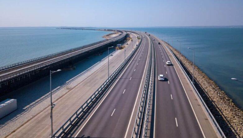 Крымский мост машины