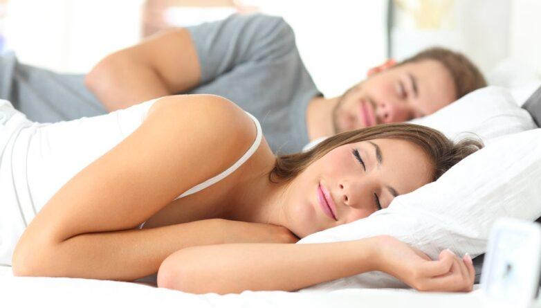 Сон на боку спящие люди спать