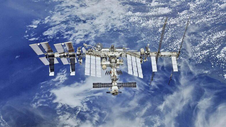 Международная космическая станция МКС над Землёй