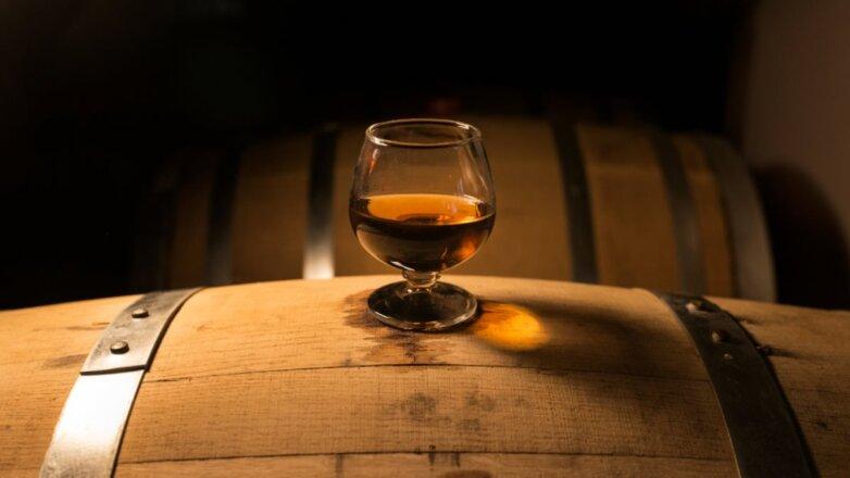 Алкоголь виски коньяк