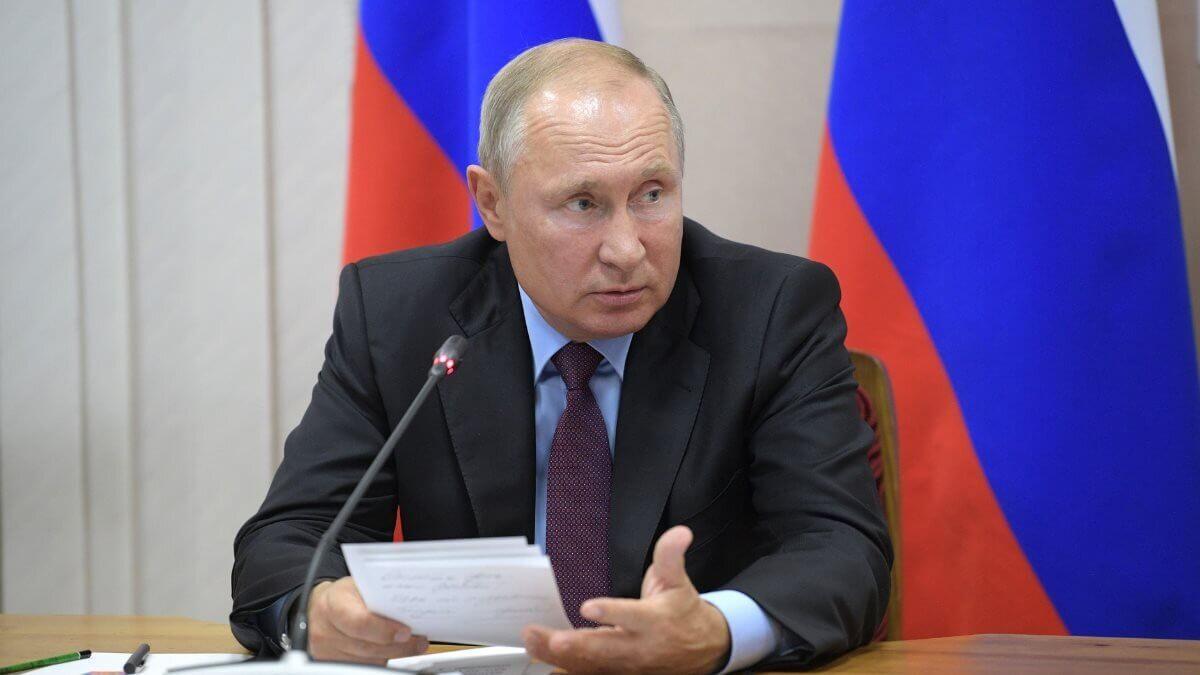 Президент Российской Федерации Владимир Путин критикует