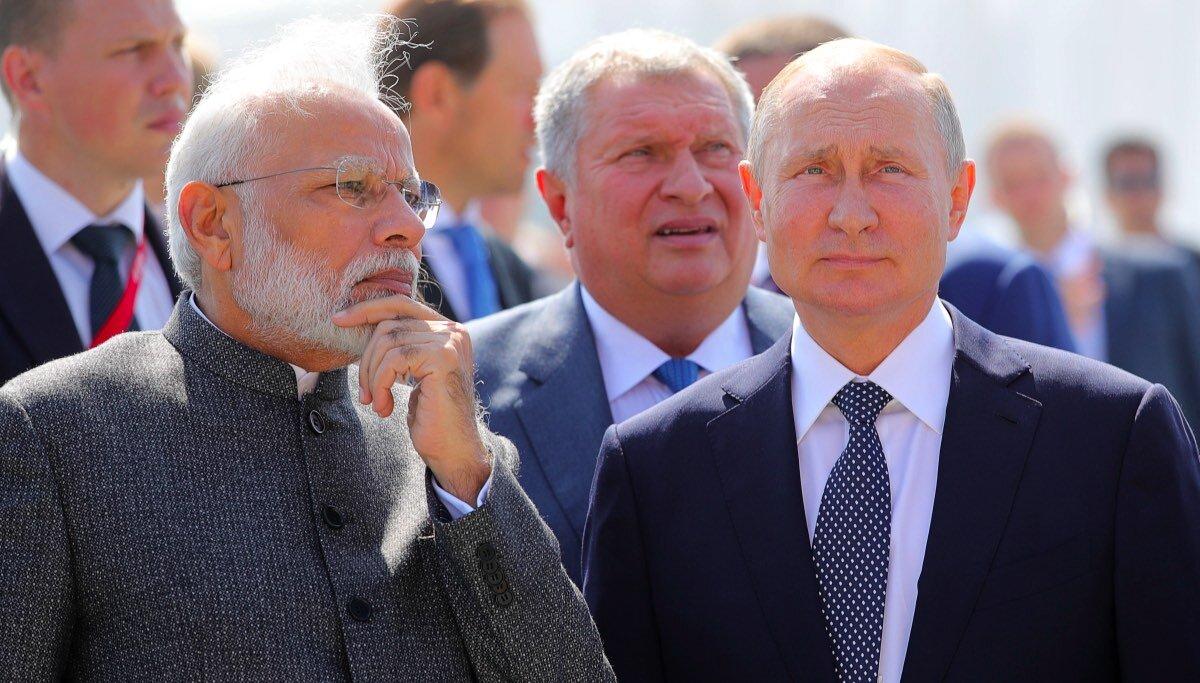 """Президент РФ В.Путин и премьер-министр Индии Н.Моди посетили судостроительный комплекс """"Звезда"""""""