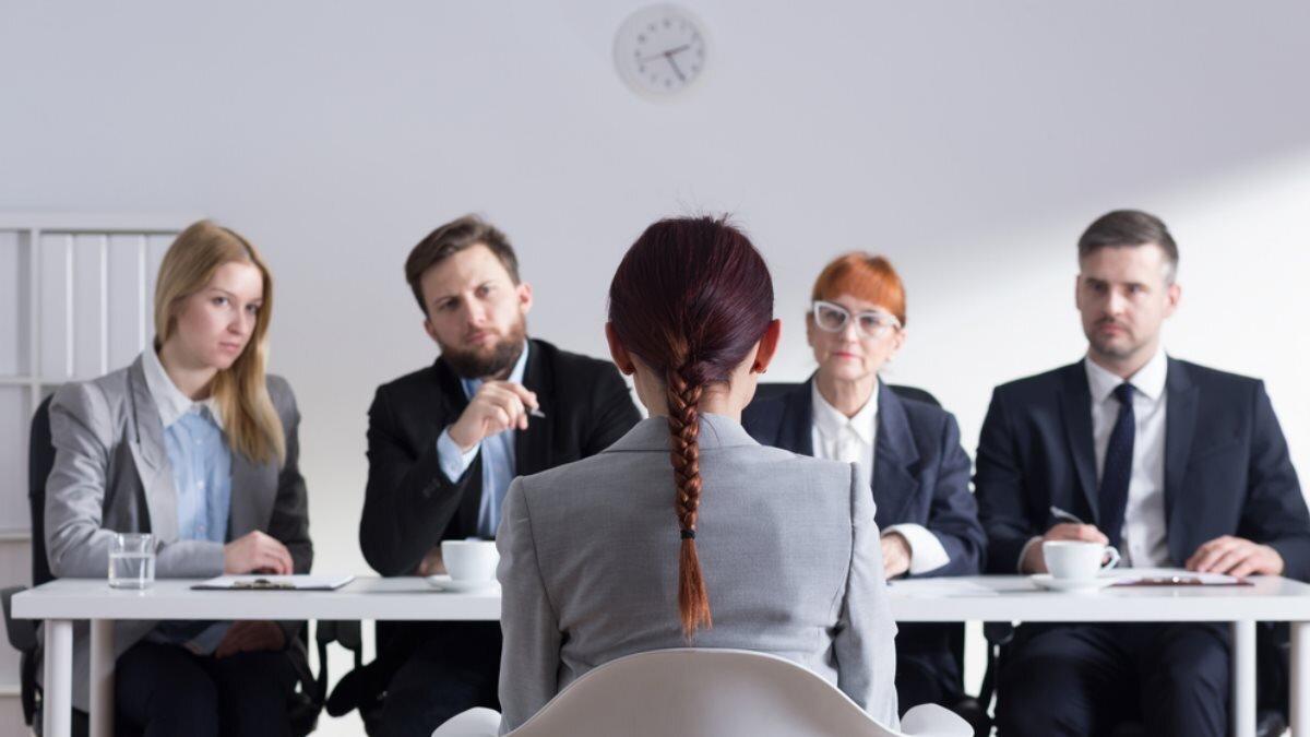 Собеседование поиск работы работодатель работа женщина