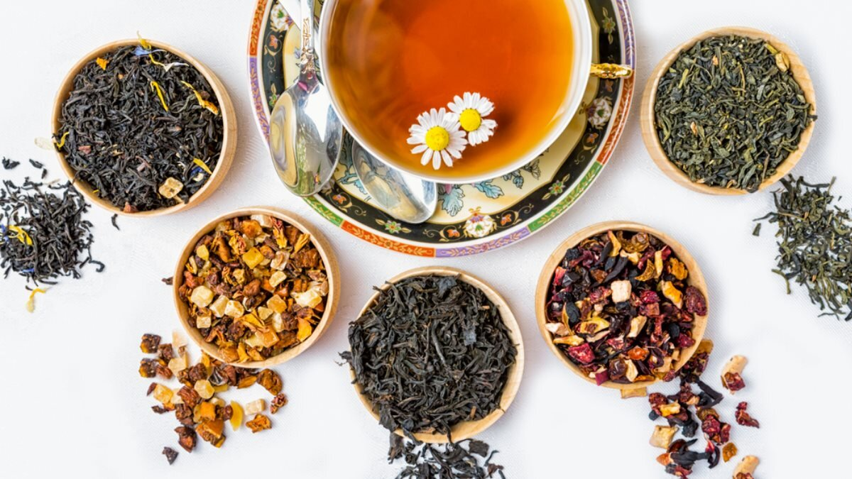 Разные сорта чая Чёрный зелёный фруктовый два