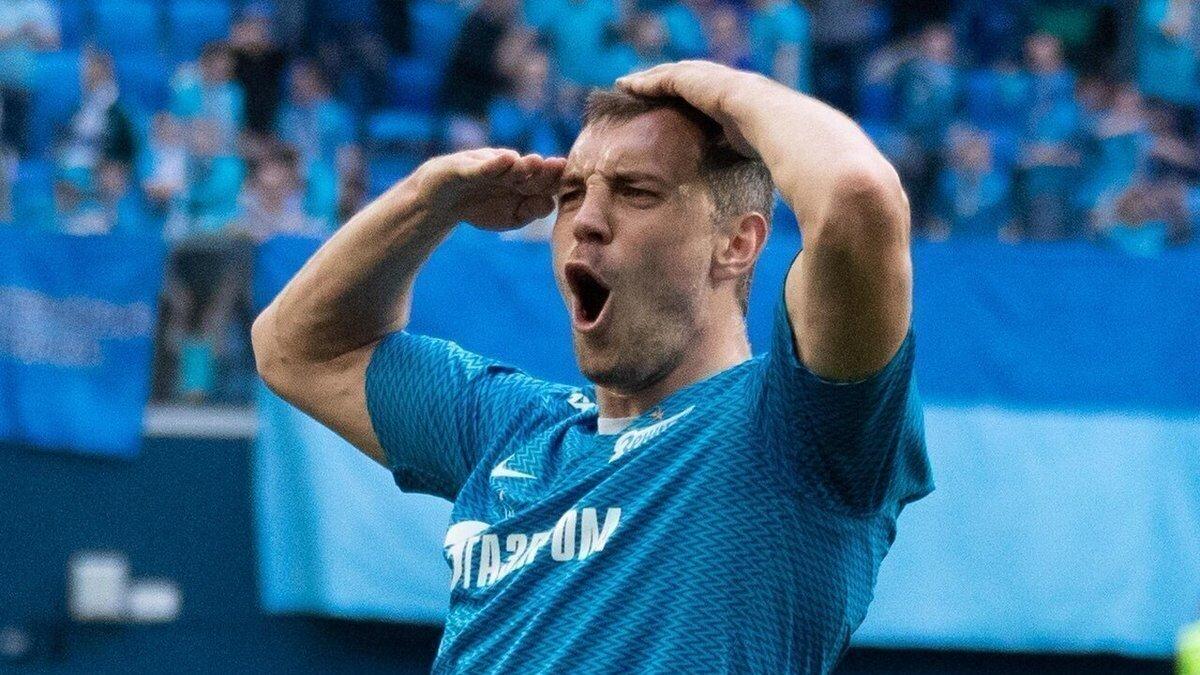 Футболист Артём Дзюба Зенит