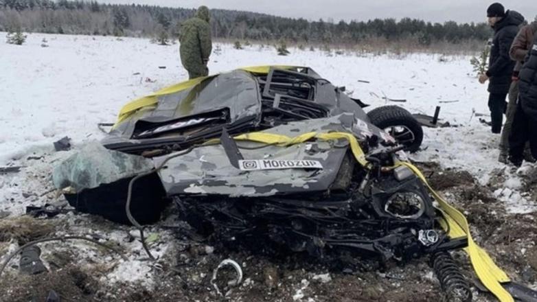 Гелик сбросили с вертолета в Карелии