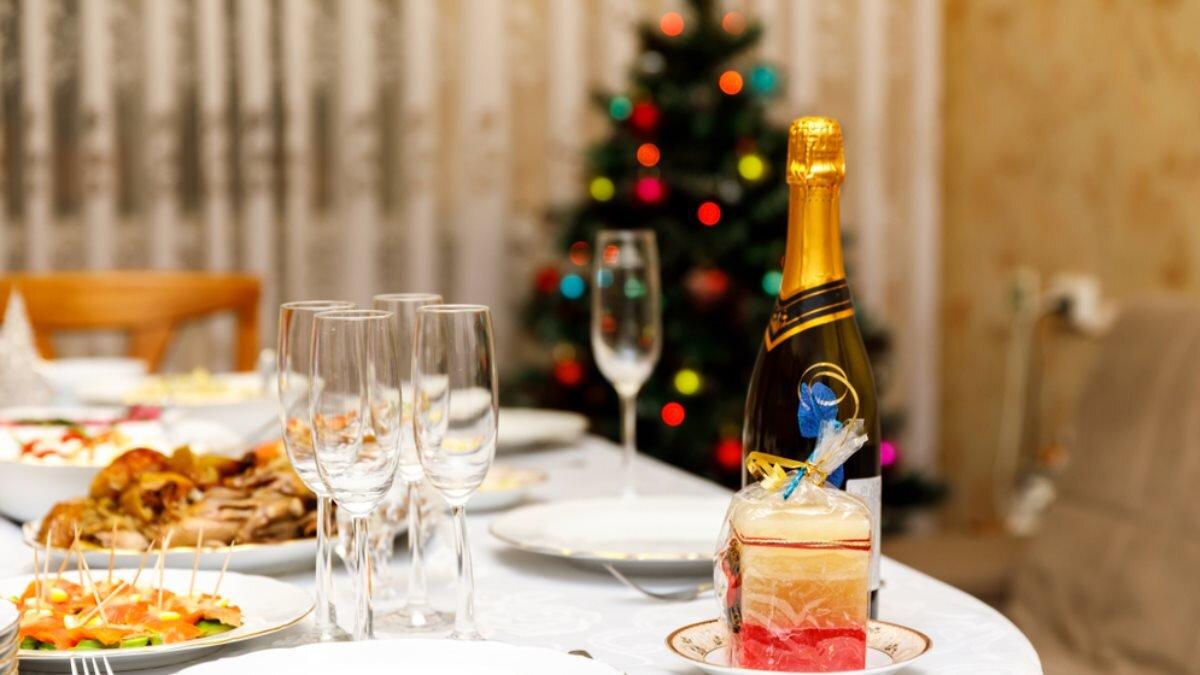 Новогодний стол Новый год один