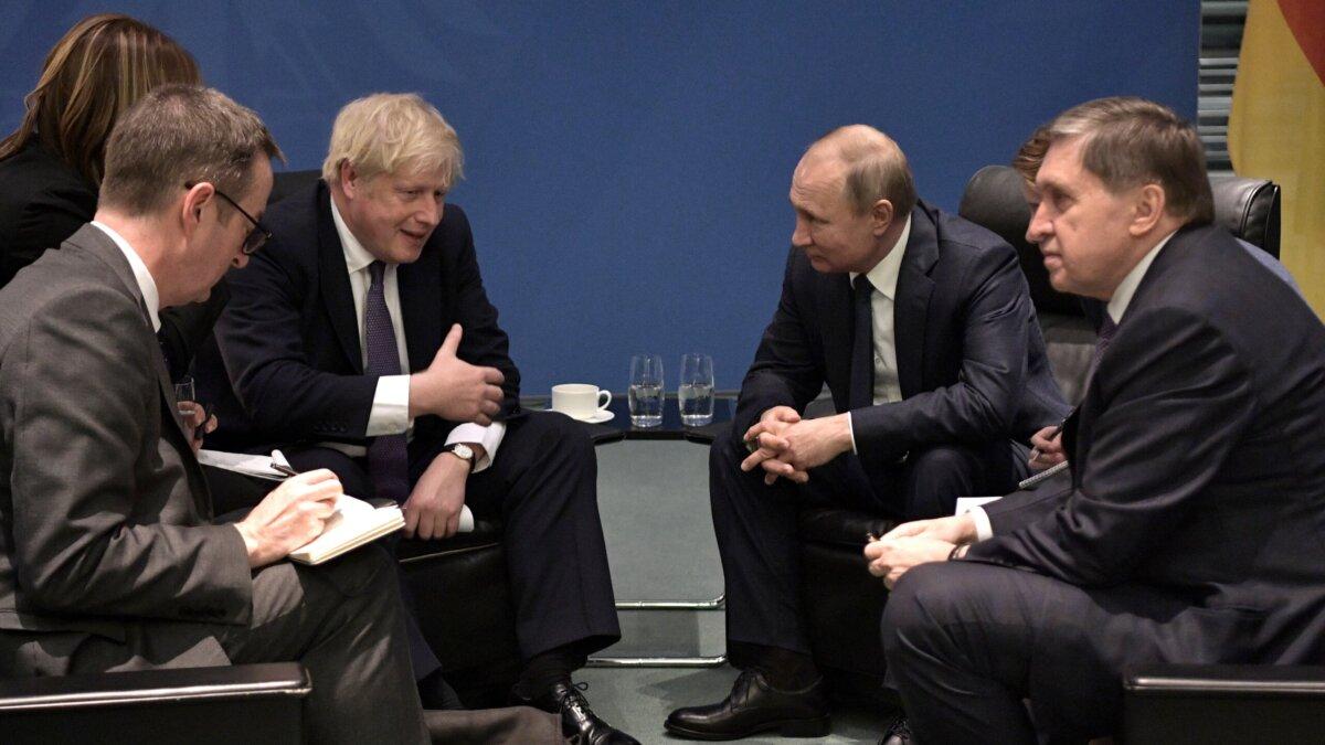 Премьер-министр Великобритании Борис Джонсон, президент России Владимир Путин