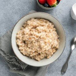 Против рака и холестерина: названа обычная, но полезная каша для завтрака