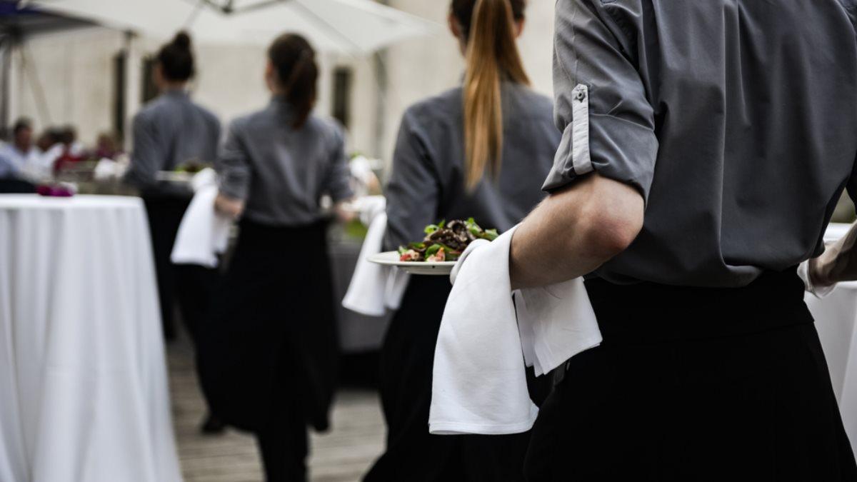 Ресторан мероприятие банкет официанты