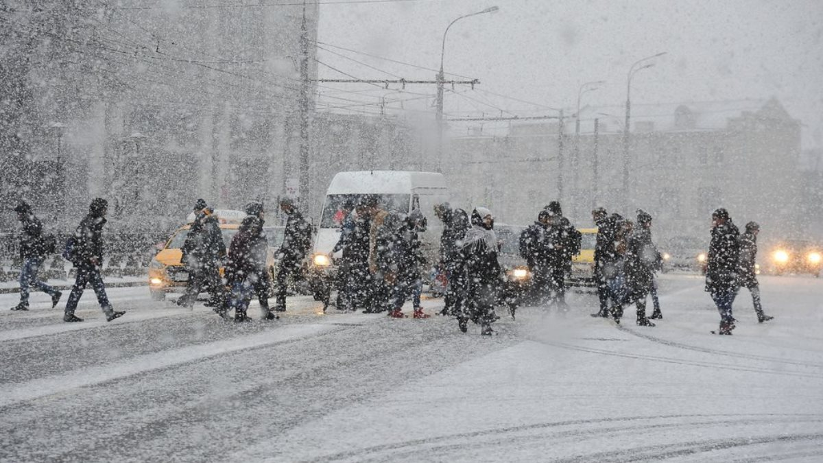 Погода снегопад улица три