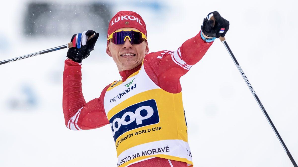 Лыжник Большунов