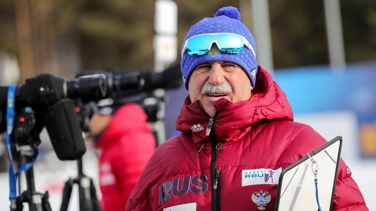 Тренер Александр Касперович