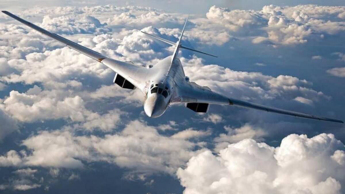Стратегический бомбардировщик-ракетоносец Ту-160М