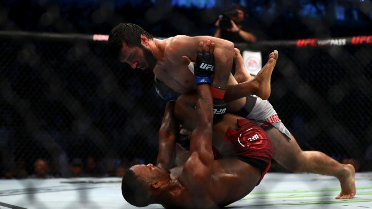 Тухугов нокаутировал Агилара на UFC