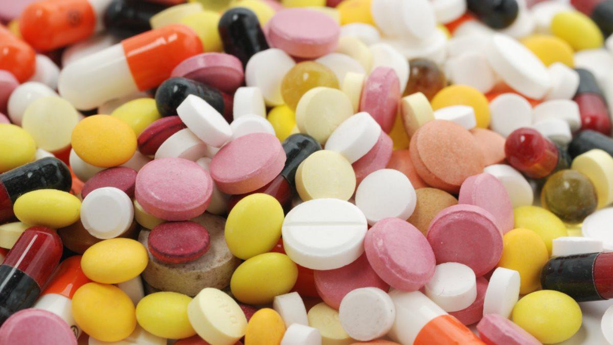 Медицина таблетки лекарства разные