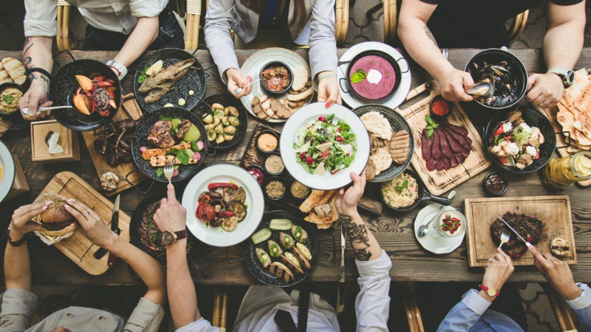 Еда пища стол с едой