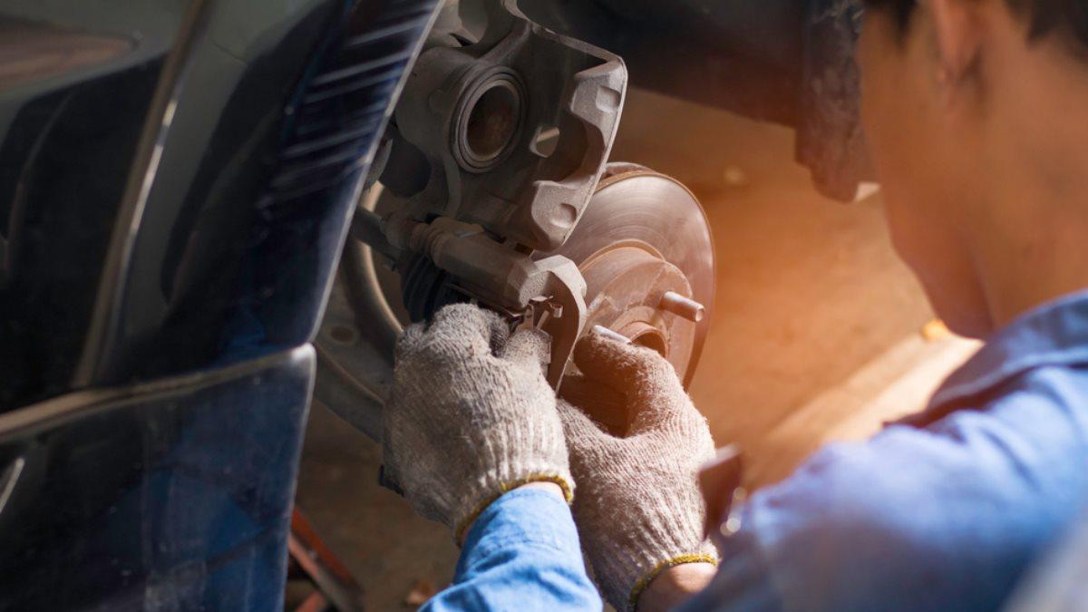 Ремонт автомобильный тормозные колодки диски