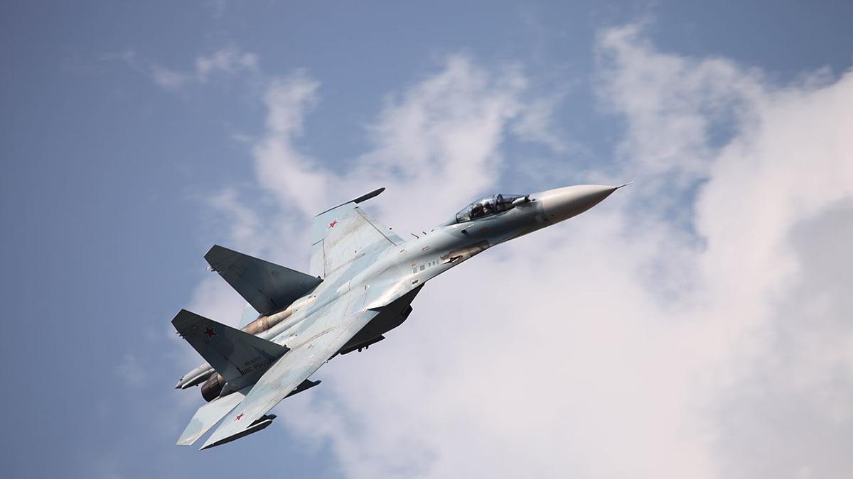 Су-27 Истребитель крен