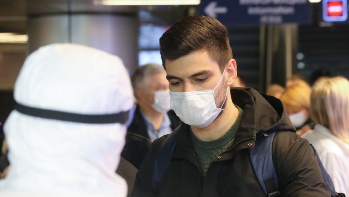 Аэропорт коронавирус маска
