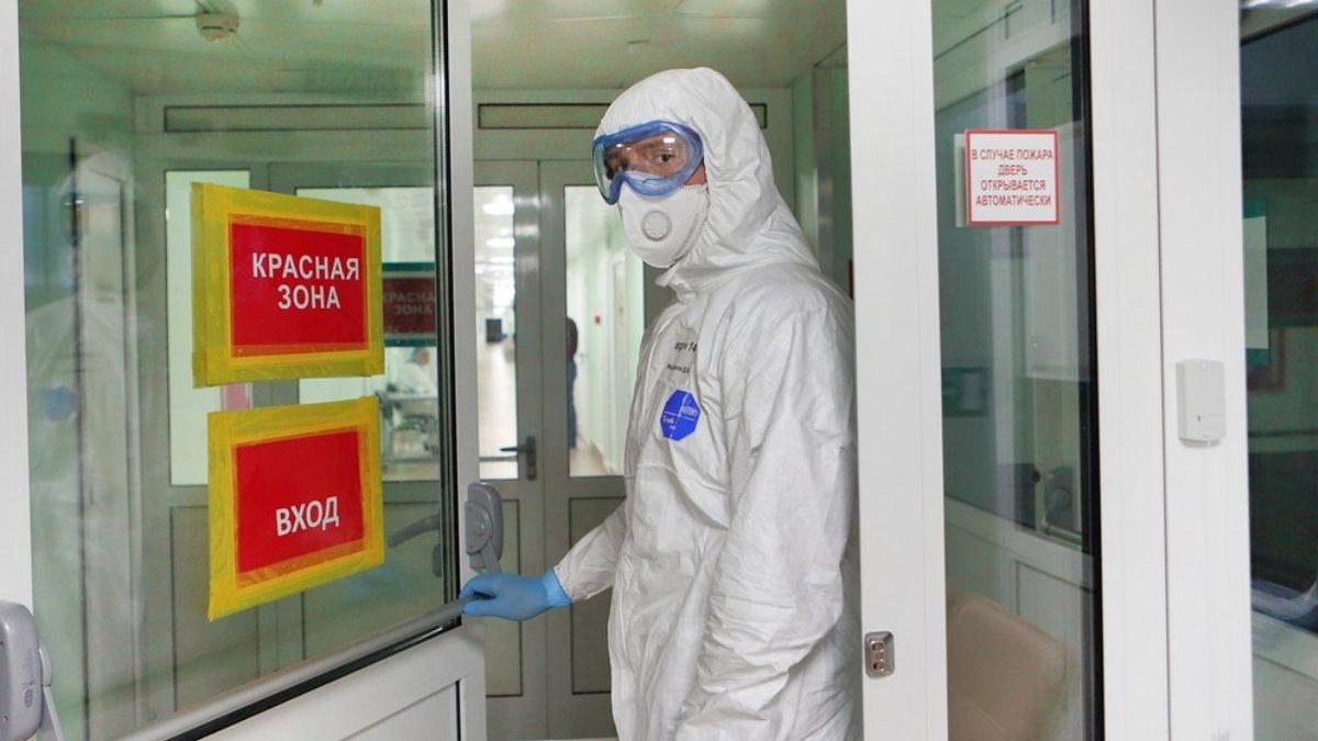 Коронавирус врач вирусолог дверь Филатовская больница 15