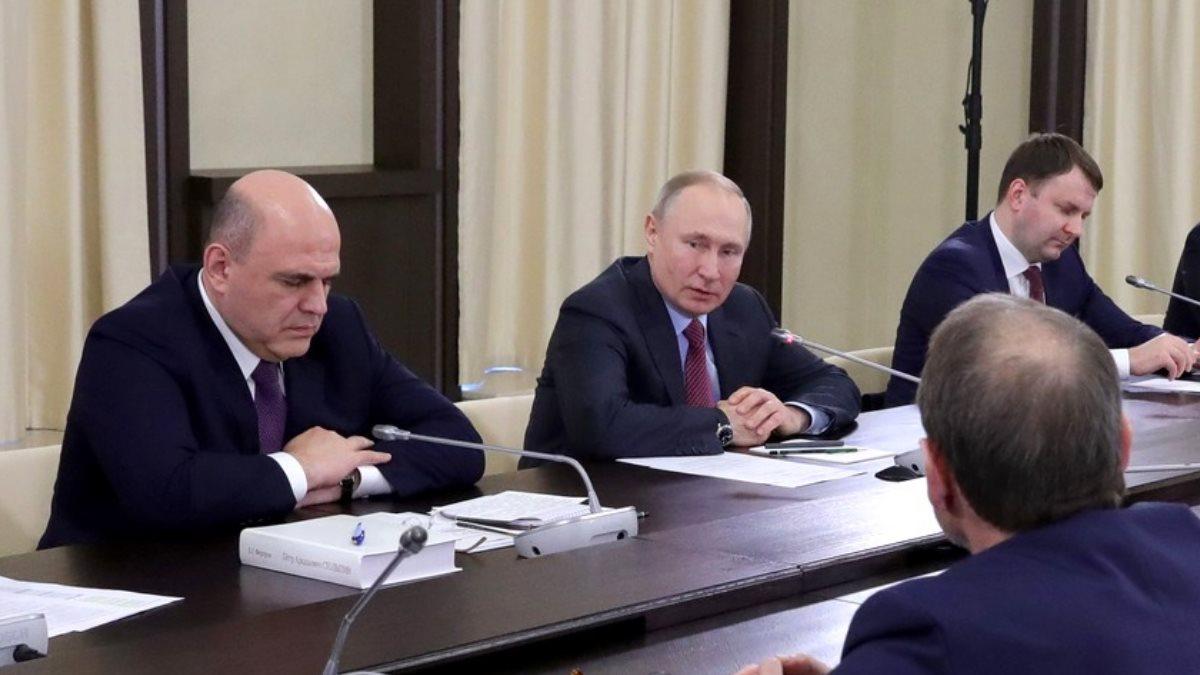 Михаил Мишустин Владимир Путин и Максим Орешкин