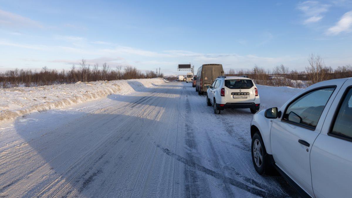 Перекрытая дорога Россия снег
