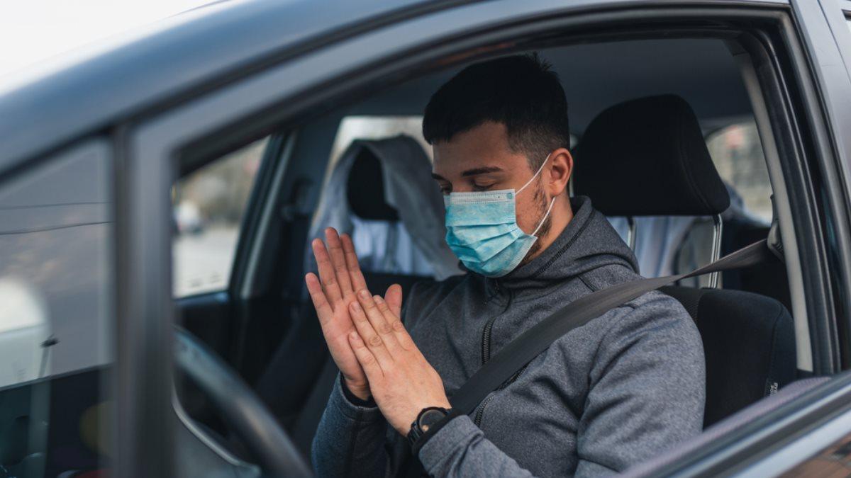 Водитель медицинская маска коронавирус