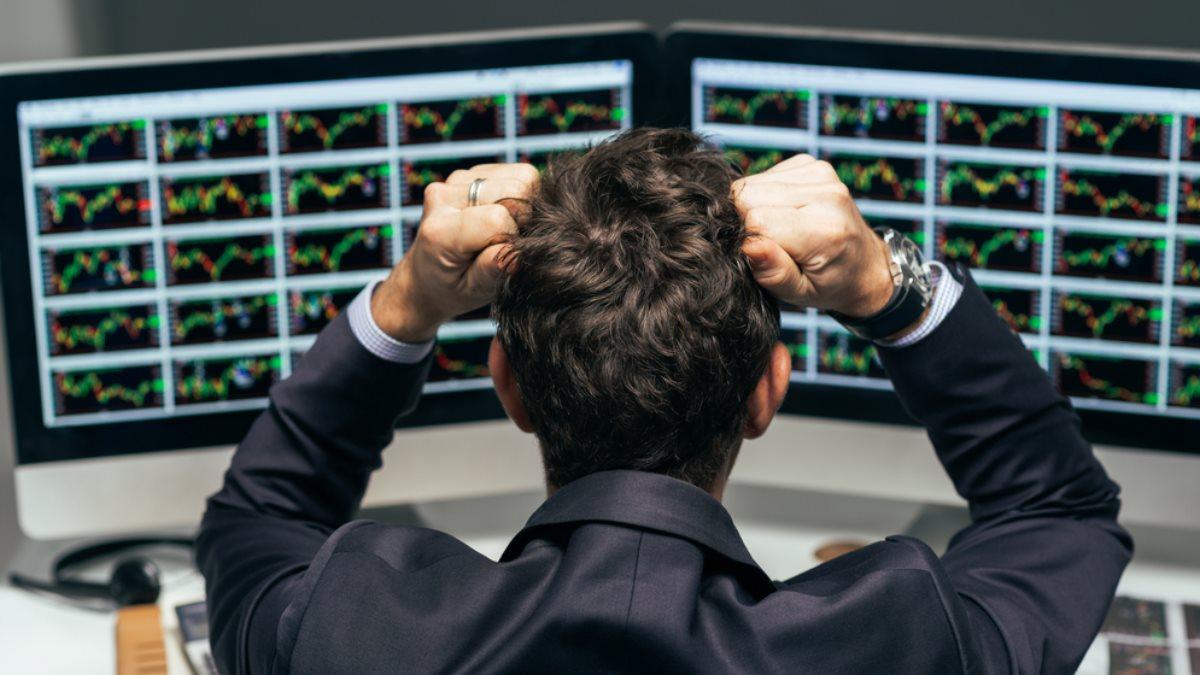 Фондовый трейдер рынок фондовая биржа вырывает волосы