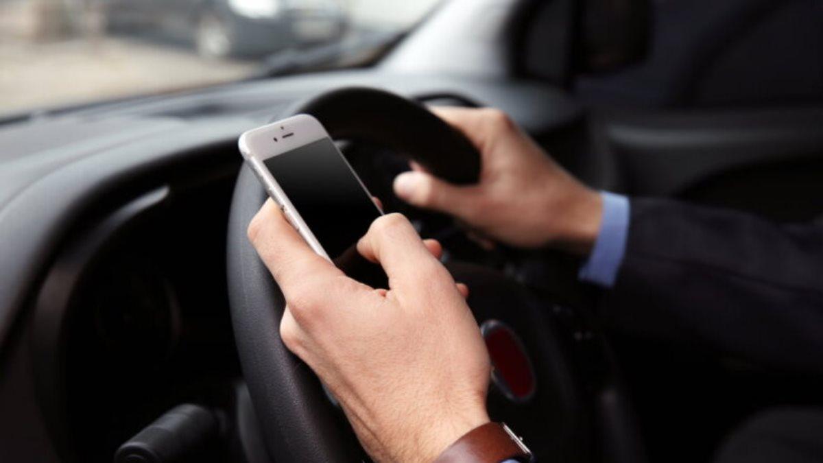 Телефон за рулём использовать в машине