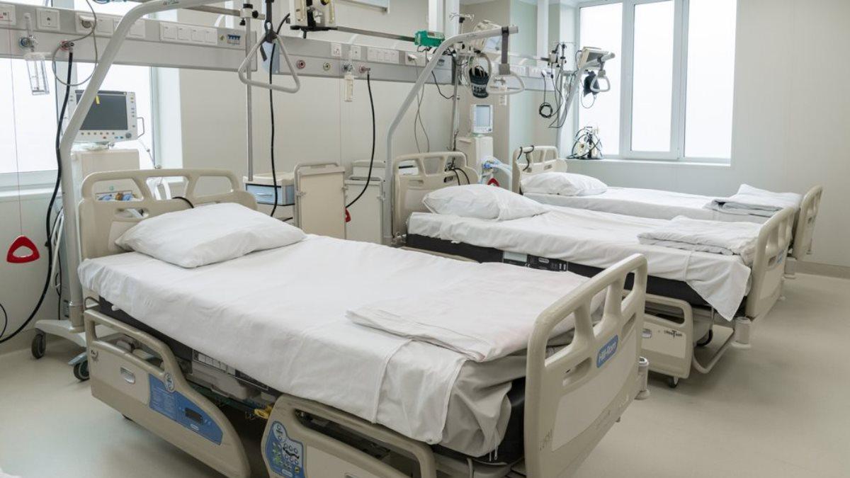 Коронавирус Больница койки медицинское оборудование аппараты ИВЛ два