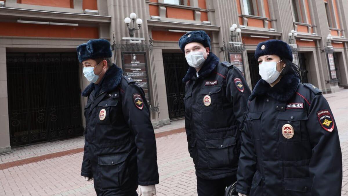 Россия полиция коронавирус карантин патруль