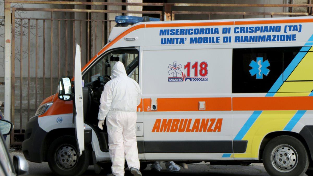 Италия скорая помощь коронавирус два